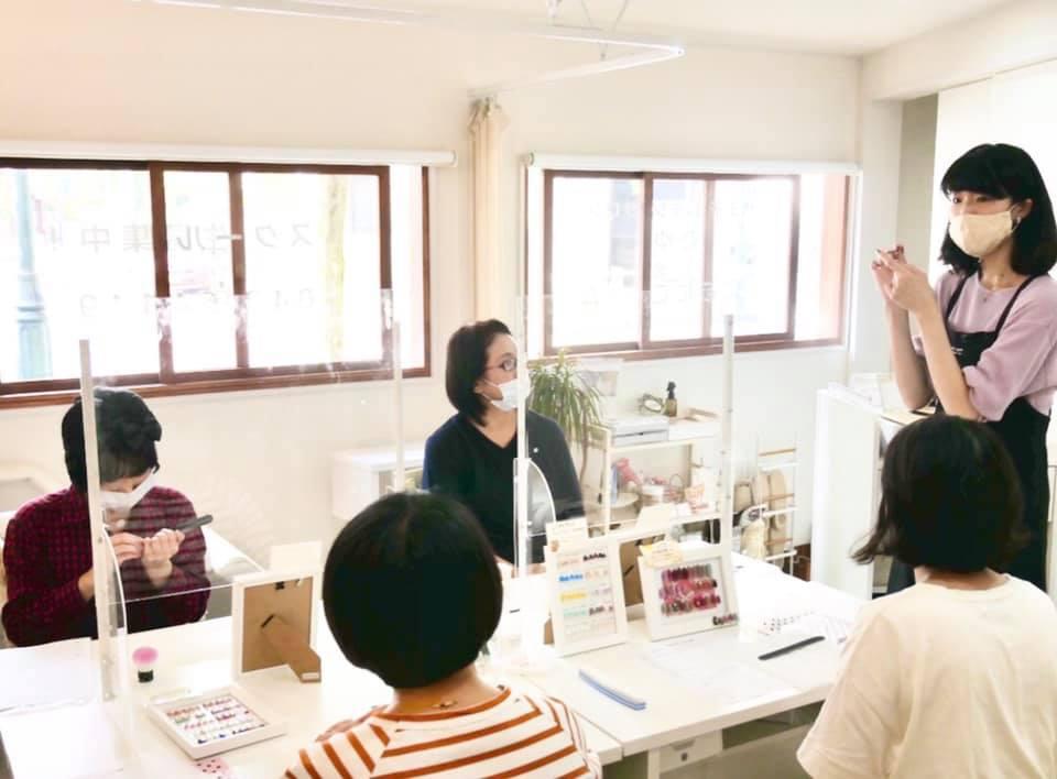 10月1日(木) 初めてのネイルケア講座 を開講しました☆